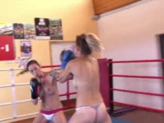 Katharina vs Mel - Boxing/Catfight