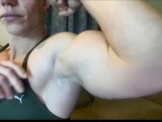 FBB Mandy flexing