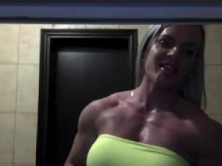 really big muscle girl cam
