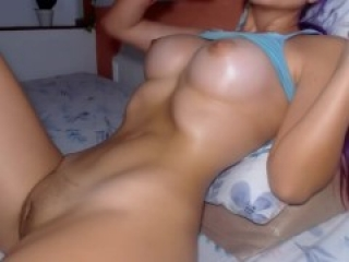 HOT TEEN cam girl SQUIRTS